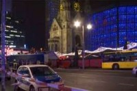 Berlino, si aggrava a 12 morti il bilancio tra loro forse un'italiana